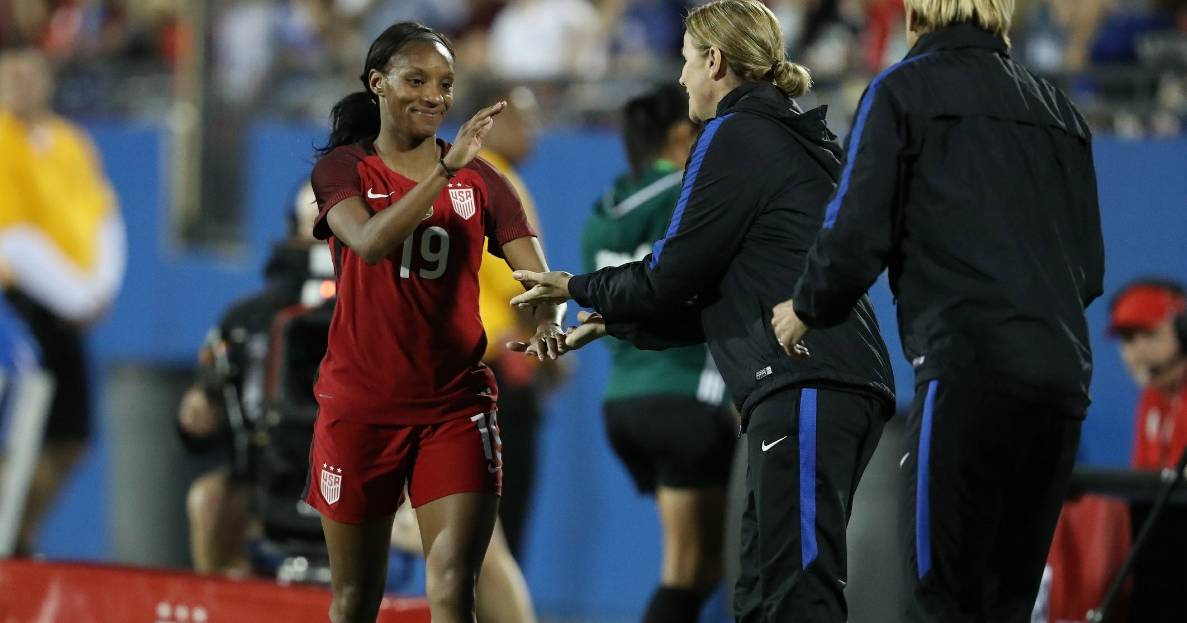 CALL HER MS. DEUCE: Crystal Dunn scores 2 goals for 2nd consecutive game