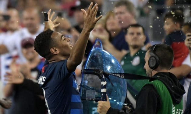 UNO A CERO: Adams' first goal boosts U.S. men over Mexico