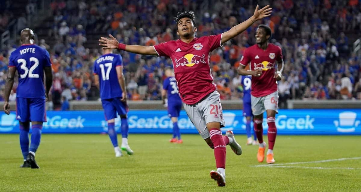 KING LUIS AND HIS COURT: Robles' saves, goals by Kaku, Fernandez boost Red Bulls