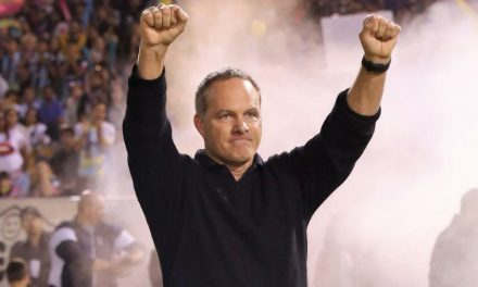 STILL IN CHARGE: Wynalda to return as Las Vegas coach
