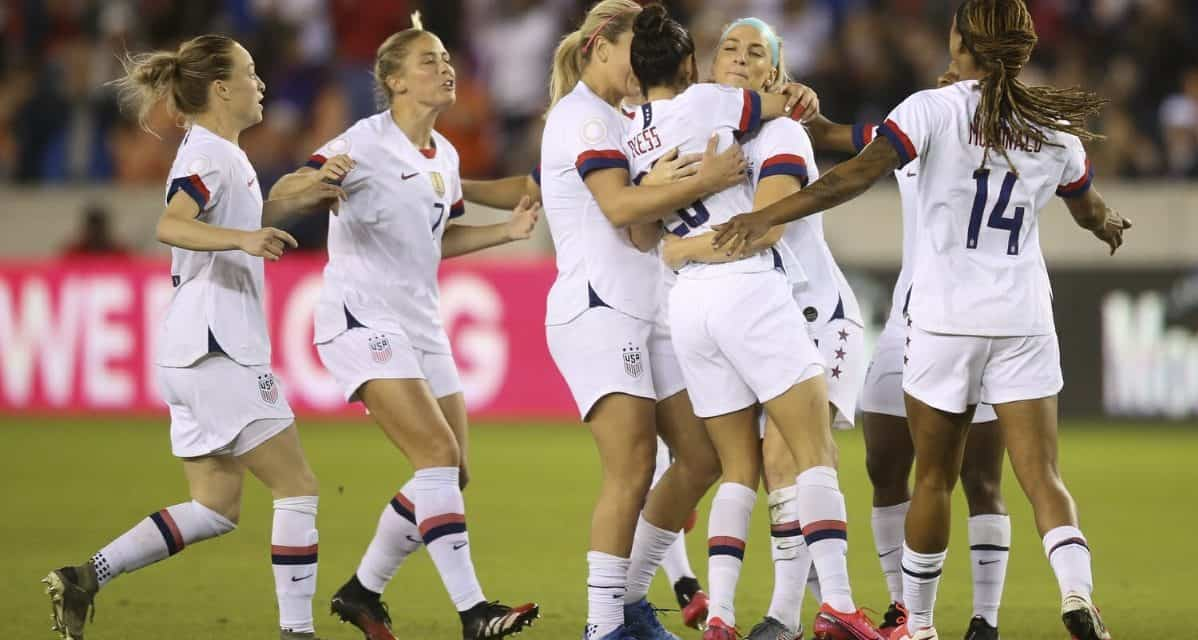 NO CONTEST: USWNT routs Costa Rica to win Olympic qualifying group