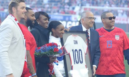 THE CENTURY CLUB: Dunn honored prior to USWNT win for reaching 100 caps